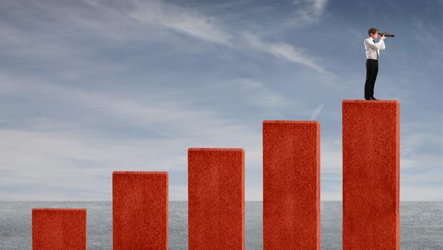 股市重回萬點想避險?投資達人:千萬別融券放空及買反向ETF!