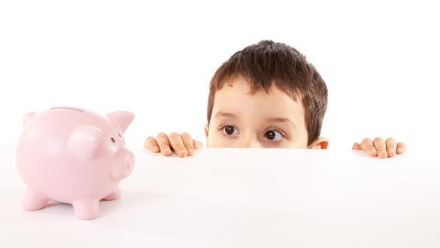 12歲兒子竟然送8000元的禮物?富腦袋從小養:用「送禮」教出孩子正確的理財觀