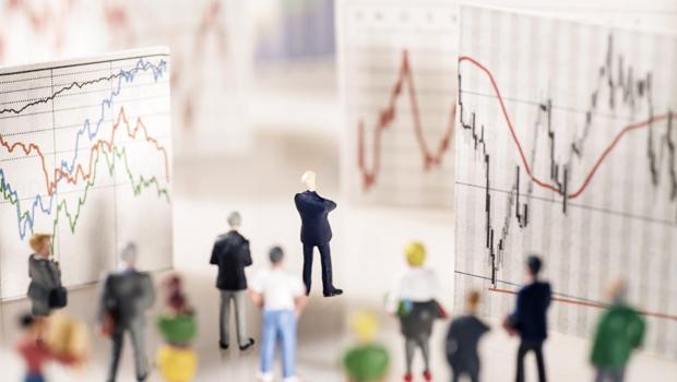 別再問股市怎麼走》沒有人能正確判斷走向:股債比例配置好,比別人少賠2年半!