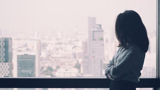 奧美公關創辦人30歲放下孩子出國念書…丁菱娟:待在原地的風險不見得比較低!