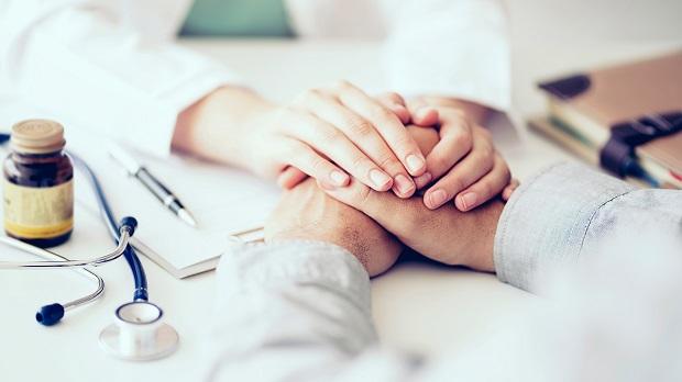 癌症時鐘快轉6秒》每5分鐘1人罹癌 3原則買足防癌險!