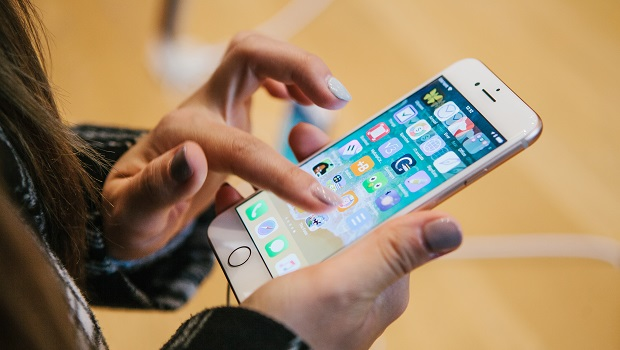 經濟解析/三星掰彎智慧手機螢幕,掰不動市場現實