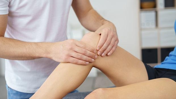 在家也能做:按摩這4個穴道+自製茶飲,保養膝蓋、舒緩疼痛不求人!