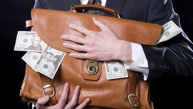 每年2%管理費讓你退休金減一半!只要了解它就可能省下將近6位數的錢