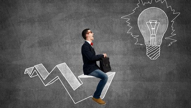 白話經濟學》什麼是機會成本?現在的選擇和未來的財富息息相關…