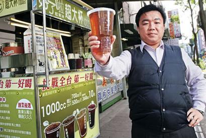▲傅景盟創辦「好了啦!紅茶冰」,採減法經營,只有5款商品。