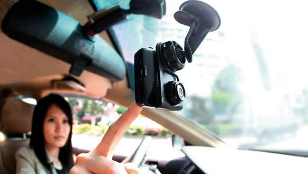 鎖定4功能 挑對行車記錄器