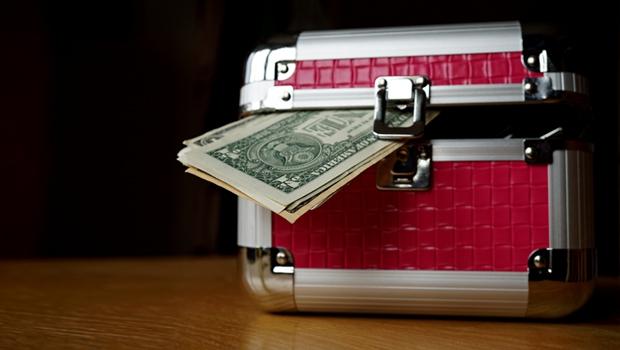 新台幣強升 留意外幣保單匯損