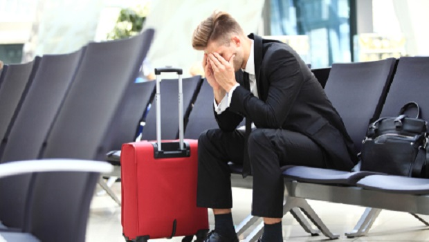 颱風來攪局,班機延誤怎麼辦?免驚!4重點教你應對