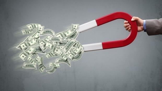 只靠存金融股4年從賠200萬到資產700萬,數學系碩士點出存股致勝4大關鍵!