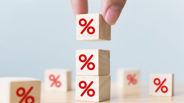 依預期年報酬率決定是否換股