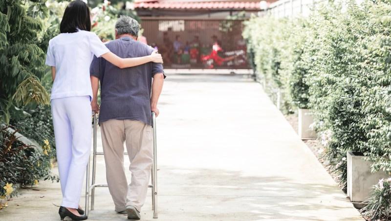 超高齡社會4年後來臨!退休生活、醫療費勞保不夠怎麼辦!?