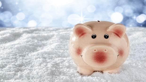想滾出財富雪球,卻對一成不變的生活感到疲乏?每年抽取部分資金獎勵自己,讓存錢更有動力