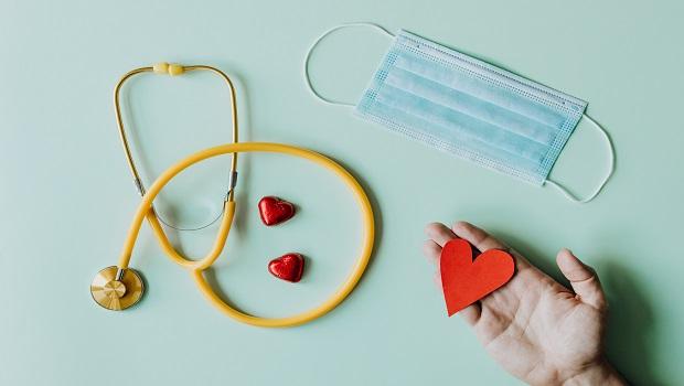 疫情延燒,已有醫療險卻擔心保障不夠?3大檢視標準,幫你判斷需不需要再買防疫險