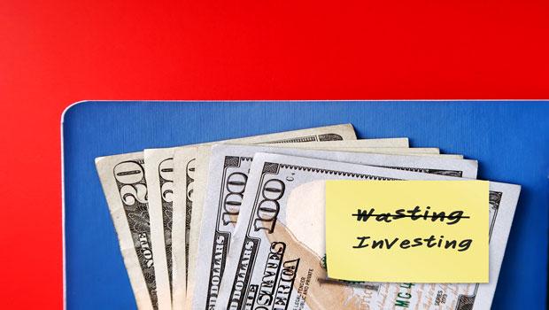收入增加就想提升生活水準?想盡早財富自由,維持節約生活+謹慎投資才是致富之道