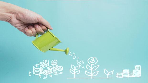 想用小額投資累積大筆資產?集中投資小型股最有效率!