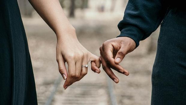 伴侶收入愈高,生活幸福感愈高?從一個真實案例看見答案:賺錢力從來不是幸福的仙丹