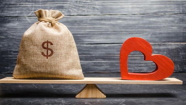 金錢很重要,但不一定能讓你邁向豐盛人生…頂尖投資人:只想著追求財富,會看不見更重要的事情