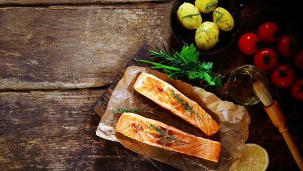 吃對食物能讓人變聰明?營養師:善用「2+1飲食法」增強大腦和提升效率!