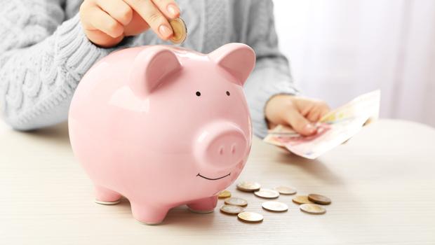 害怕自己退休後錢不夠用、又老又窮?這5招理財智慧,逾半數日本女人不擔心成為下流老人