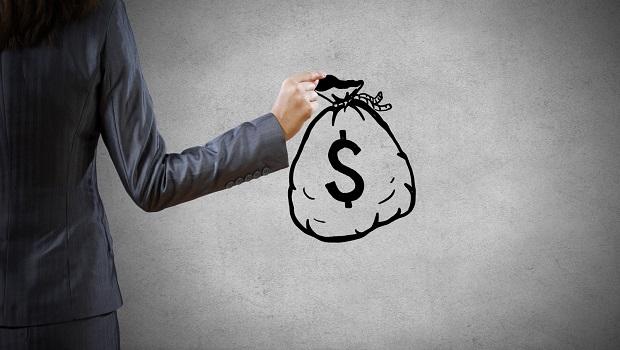 年終和調薪幅度皆創6年新低...年終發放冠軍仍是金融業!