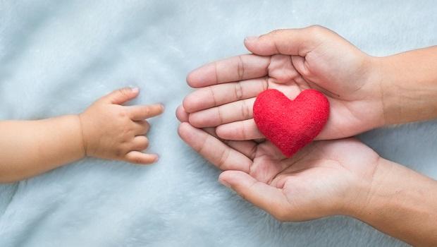 新生兒太早自費健檢恐影響核保!新手父母應該懂的2大投保時機