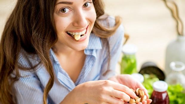 麵食易造成胃食道逆流、糖分會導致骨質疏鬆…骨科醫推薦吃這顆穩血糖顧骨質