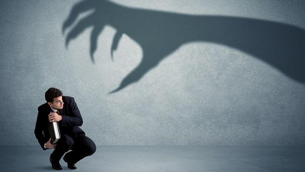 保險業真心話》買保險要求退佣,當心被主張契約無效!還可能失去一個好業務…