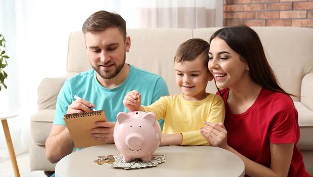 開戶、投保、存基金》新生兒報到後,爸媽必須準備的3項理財規畫!