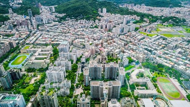 房價下跌8%,北市公寓不再搶手?學者:重建整合不易,自住跟投資客慢慢離開