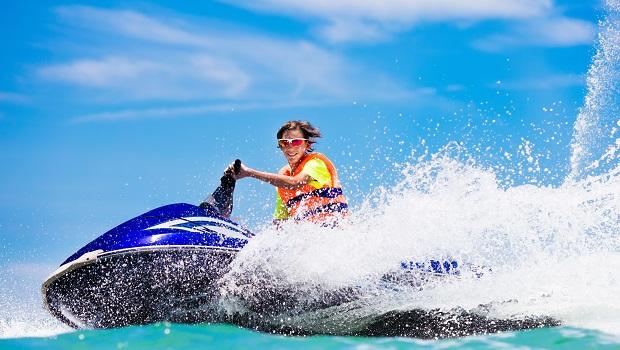 夏天玩水有保旅平險就好?當心水上活動「特定事故」統統不理賠!